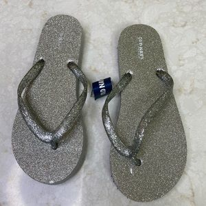 Old Navy Girl silver flip flops
